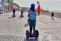 Tel Aviv - 4 December, 2016: Toeristen op een segway reis in Te Royalty-vrije Stock Foto's