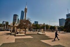 Tel Aviv - 10 02 2017 : Extérieur de Musée d'Art de Tel Aviv et monu d'art Photos stock