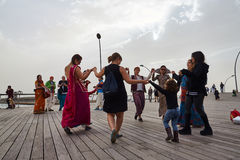 Tel Aviv - 20 février 2017 : Passionnés de Krishna de lièvres célébrant d Photographie stock libre de droits