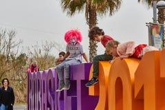 Tel Aviv - 20 febbraio 2017: Costumi d'uso della gente in Israele d Fotografie Stock Libere da Diritti