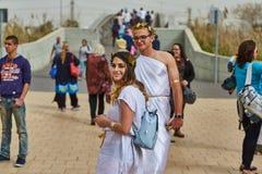 Tel Aviv - 20 febbraio 2017: Costumi d'uso della gente in Israele d Immagini Stock