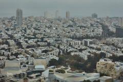 Tel Aviv - 10 06 2017: Flyg- sikt på Tel Aviv vägar och propert Royaltyfria Foton