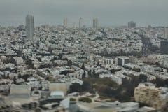 Tel Aviv - 10 06 2017: Flyg- sikt på Tel Aviv vägar och propert Arkivfoto
