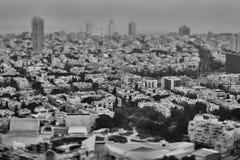 Tel Aviv - 10 06 2017: Flyg- sikt på Tel Aviv vägar och propert Royaltyfri Bild