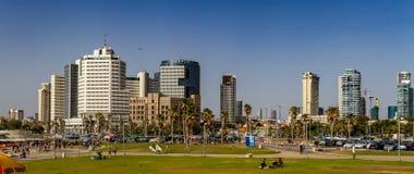 Tel Aviv, hôtels ayant beaucoup d'étages Panorama Photo stock