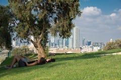Tel Aviv horisontsikter från Jaffa Royaltyfri Foto