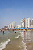 Sommer am Strand in Tel Aviv Lizenzfreie Stockfotos