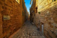 Tel Aviv, Israel - 21 de abril de 2017: Ruas de pedra antigas no estilo árabe em Jaffa velho Imagens de Stock Royalty Free