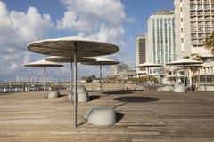 TEL AVIV, ISRAEL - 26. Dezember 2016: Moderne Strandpromenade Lizenzfreie Stockfotos