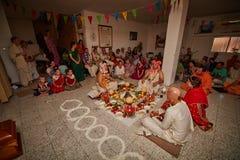 Tel Aviv - 10 05 2017: Tum tradizionali vedici di nozze di Krishna della lepre Fotografie Stock
