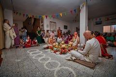 Tel Aviv - 10 05 2017: Vedic tradycyjny Zajęczy Krishna poślubia ta Obraz Royalty Free