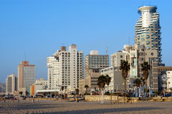 Tel Aviv vit stadsstrand Royaltyfri Foto