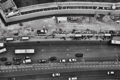 Tel Aviv - 10 06 2017: Vogelperspektive auf Tel Aviv-Straßen und -propert Stockfotografie