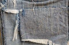 Tela áspera do blue-jeans velho fotos de stock
