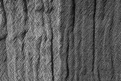 Tela arrugada tejida en tonos grises Fotos de archivo libres de regalías