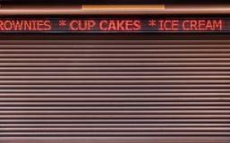 Tela conduzido na loja fechado Fotografia de Stock