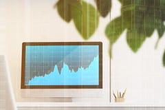 Tela de computador azul com um gráfico Foto de Stock Royalty Free