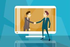 Tela de computador virtual da reunião de negócios do Internet de Shake Hand Web do homem de negócios Fotos de Stock Royalty Free