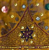 Tela de la sari del vintage con adornos fotos de archivo