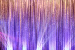 A tela de prata da cortina drapeja a onda e o feixe luminoso fotografia de stock royalty free