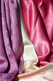 Tela de seda 2 da violeta, a de creme e a cor-de-rosa imagens de stock royalty free
