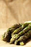 Tela di iuta dell'asparago Fotografie Stock Libere da Diritti