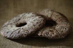 Tela di sacco rotonda tradizionale finlandese del pane del raggio due Fotografia Stock Libera da Diritti