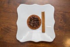 Tela marrom de serapilheira dos feijões de café natural Imagem de Stock