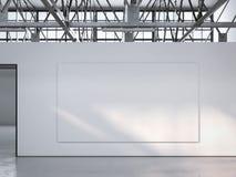 Tela sulla parete nell'interno luminoso del sottotetto rappresentazione 3d Immagini Stock