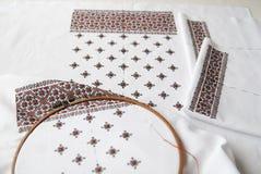 Tela ucraniana tradicional com bordado colorido Foto de Stock Royalty Free
