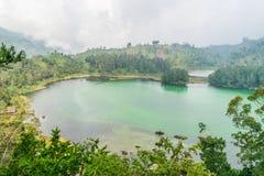 Telaga Warna en Dieng Foto de archivo libre de regalías
