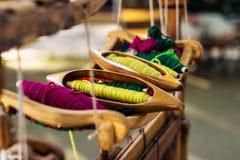 Telaio per tessitura e filo di filato Immagine Stock