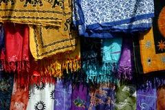 Telas coloridas en la India Imagen de archivo libre de regalías