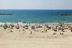 Verão na praia em Telavive fotografia de stock royalty free