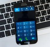 Telclado numérico del dispositivo de la galaxia S4 de Samsung Fotos de archivo