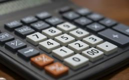 Telclado numérico del primer de las llaves de la calculadora foto de archivo libre de regalías