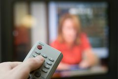 Telecomando con la TV Fotografia Stock Libera da Diritti