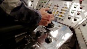 Telecomando dell'impianto di perforazione della trivellazione petrolifera stock footage