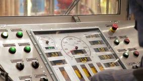 Telecomando dell'impianto di perforazione della trivellazione petrolifera archivi video