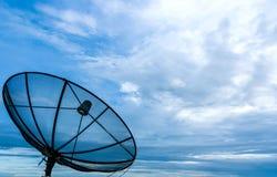 Telecommunicatie in de hemel stock afbeelding