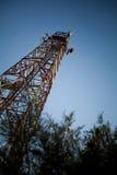 Telecommunicatie torens stock afbeelding