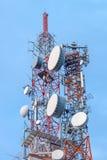 Telecommunicatieantennetoren Stock Fotografie