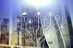 Telecomunicação e conceito de IOT no fundo borrado do centro de negócios fotos de stock royalty free