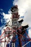 Telecomunicación, torre de las telecomunicaciones Imágenes de archivo libres de regalías