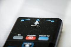 Telecontrole da tevê de Smart com controle de movimento isolado no backgorund branco Fotografia de Stock Royalty Free