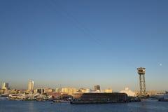 Teleférico da torre de Torre Jaume no porto de Barcelona Imagem de Stock