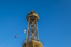 Teleférico de la torre de Torre Jaime en el puerto de Barcelona Fotografía de archivo libre de regalías