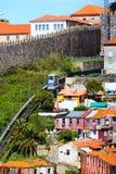 Teleférico de Porto, Portugal na cidade velha Imagem de Stock