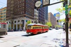 Teleférico do bonde de San Francisco do editorial somente no Cal Imagem de Stock