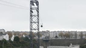 Teleférico en Brest, Francia almacen de metraje de vídeo